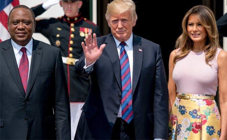 Melania Trump y Donald Trump junto con el presidente de Kenia, Uhuru Kenyatta en su visita hace unos días a Estados Unidos