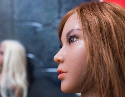 Abre el primer burdel de muñecas sexuales en un centro comercial de Canadá
