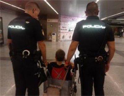 Empleados del metro de Valencia se niegan a ayudar a un niño en silla de ruedas