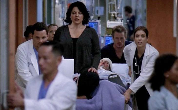 Callie Torres es operada de urgencia tras sufrir un accidente estando embarazada en un capítulo musical de 'Anatomía de Grey'
