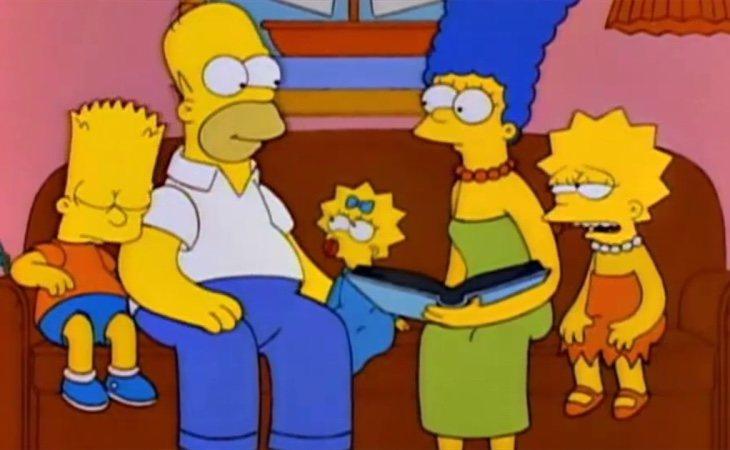 Escena en la que cuentan cómo Homer se enteró de los tres embarazos