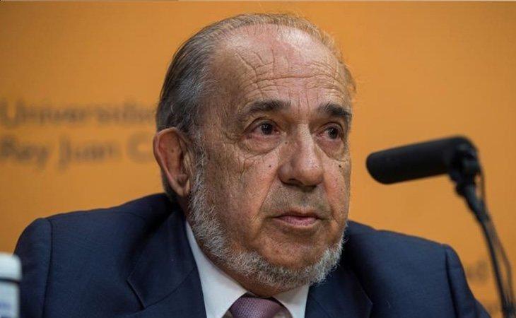 Álvarez Conde retiró la defensa del TFM en el último minuto