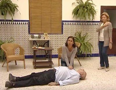 Aprende a hacer la reanimación cardiopulmonar con 'La Macarena': tan cómico como serio