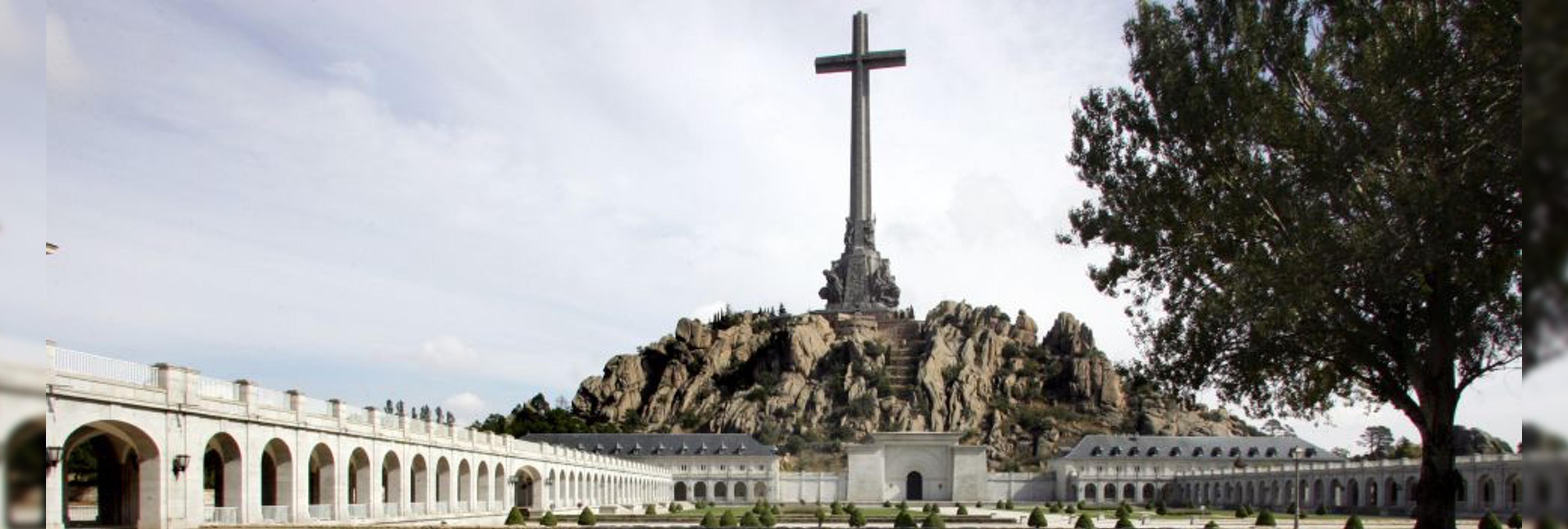 El Gobierno y la Iglesia quieren a los  monjes benedictinos fuera del Valle de los Caídos