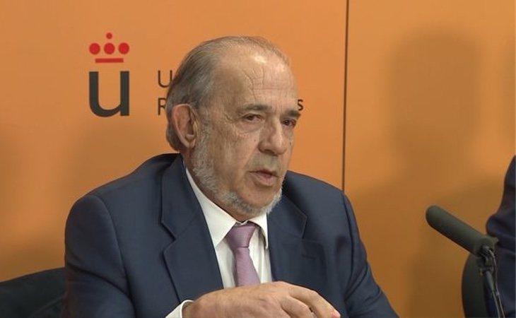 Álvarez Conde dirigía toda la correspondencia del instituto directamente a su vivienda