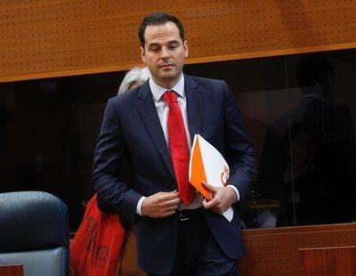 """El líder de C's en Madrid acusa al PSOE de gastar dinero público en """"coca y prostitutas"""""""