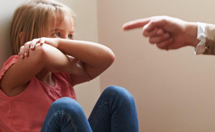 Condenado por golpear a su hija