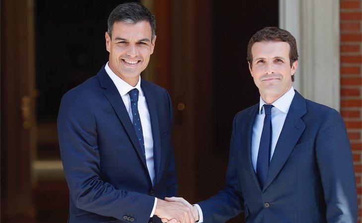 Pedro Sánchez y Pablo Casado en una reunión en La Moncloa