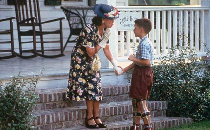 Forrest de niño junto a su madre