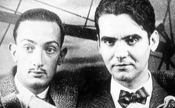 El poeta Federico García Lorca junto al artista Salvador Dalí