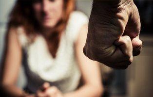 Insinuaciones, falta de apoyo y trato vejatorio: el relato de una mujer agredida en España