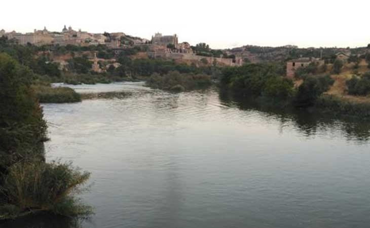 Río Tajo a su paso por Toledo