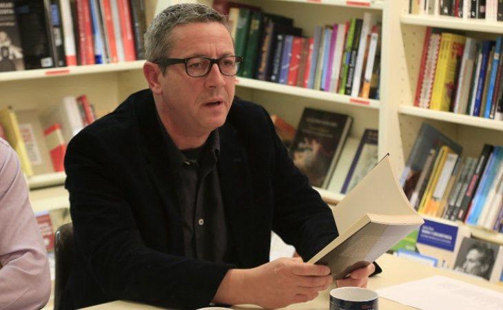 Alonso Guerrero, exmarido de Letizia, en la presentación de su libro