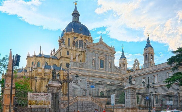 La Catedral de la Almudena, posible nuevo emplazamiento del cadáver de Franco