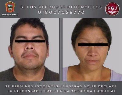 Detenida una pareja que paseaba restos humanos en un carrito de bebé