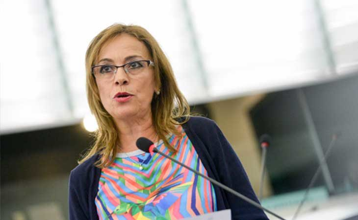 Ángela Vallina, eurodiputada de Izquierda Unida