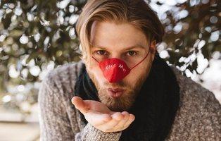 La nueva prenda de moda contra el frío: el calentador de nariz
