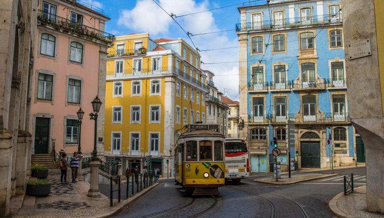 Portugal intenta ofrecer medidas para facilitar la crianza en niños de 0 a 3 años