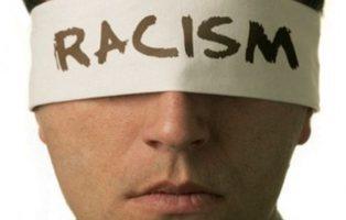 Qué puedes hacer si eres testigo de un ataque racista como el de Ryanair