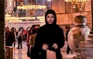 Una modelo de Playboy protagoniza un polémico desnudo en la Basílica de Santa Sofía