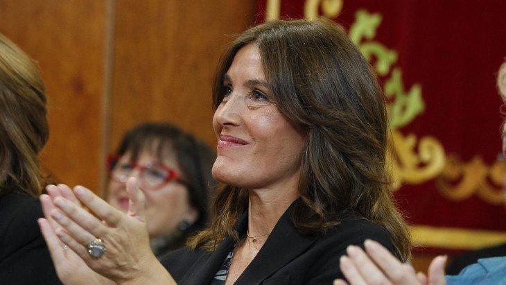 Cárdenas está siendo criticada por dos frentes distintos