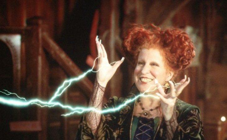 Bette Midler en 'El retorno de las brujas'