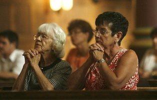 Murcia es la comunidad autónoma más católica y Navarra la más laica