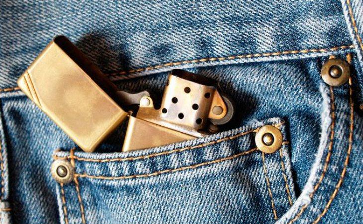 El bolsillo pequeño con su verdadero uso