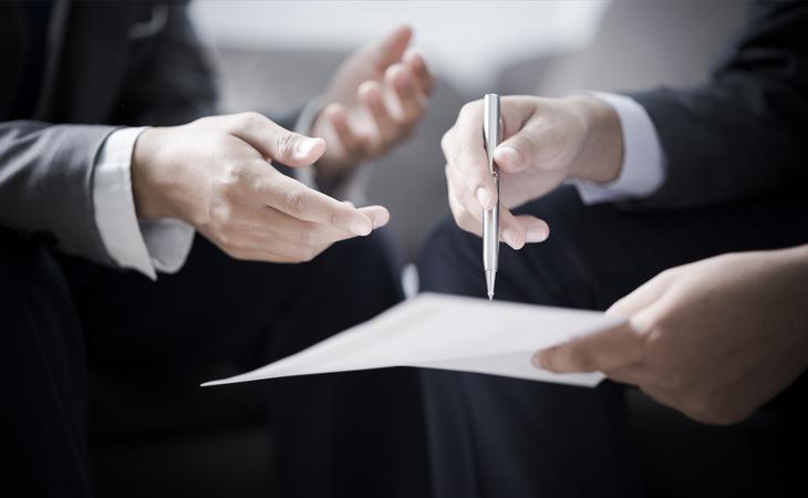 Seis de cada diez becarios españoles firman contratos sin remuneración