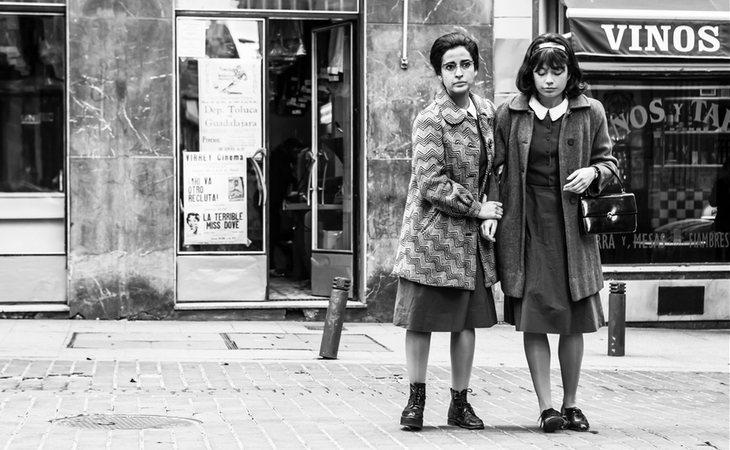 Ana Mari y Pilar (Inma Cuesta y Anna Castillo), sirvientas de Ava Gardner en 'Arde Madrid'