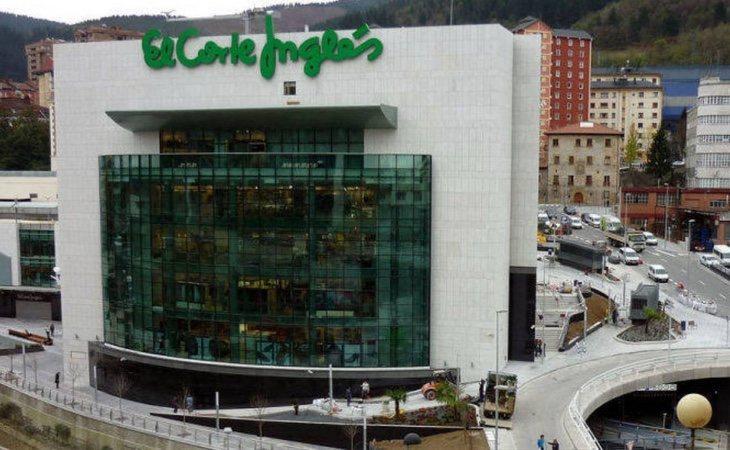 El Corte Inglés de Eibar es un centro de diez plantas para una localidad de 27.000 habitantes