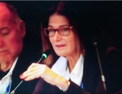 La presidenta de la Federación de Vela supera el surrealista inglés de Ana Botella