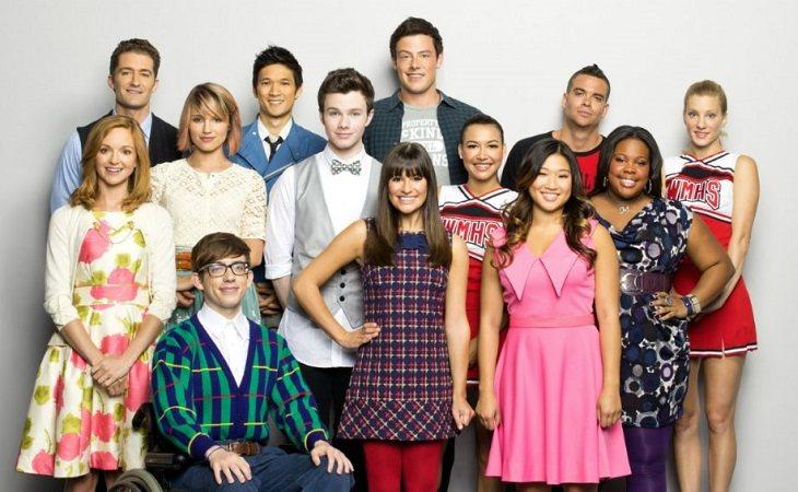 El elenco de 'Glee' posa en una imagen promocional