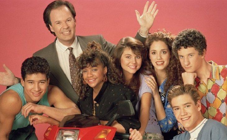 Los protagonistas de 'Salvados por la campana' en una imagen promocional