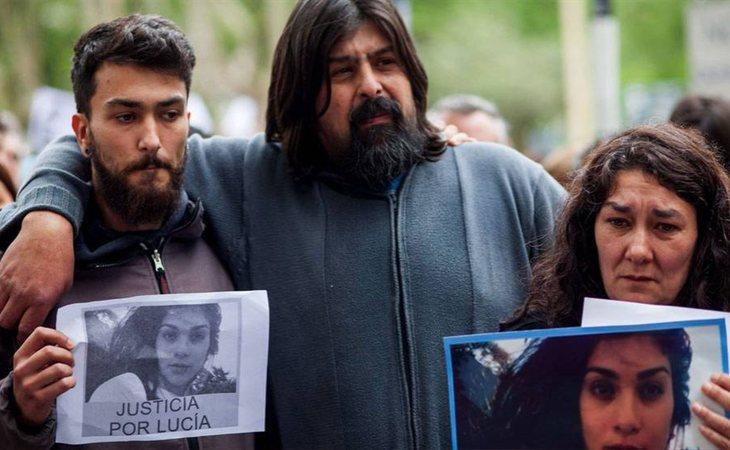 Familiares de Lucía Pérez en las manifestaciones en Argentina tras su asesinato