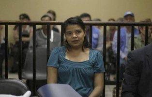 Violada durante años, se enfrenta a 20 años de cárcel por haber intentado abortar