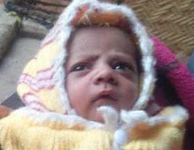 Un mono secuestra y asesina a un bebé de doce días en India