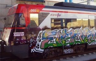 Limpiar los grafitis de los trenes cuesta 15 millones de euros a todos los españoles