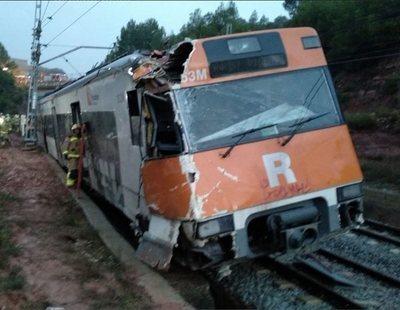Un muerto y más de 40 heridos al descarrilar un tren en Barcelona