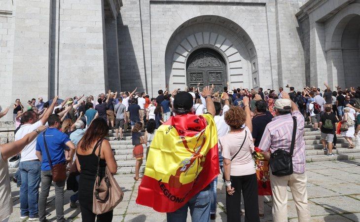 La Fundación Francisco Franco se manifestó en el Valle para venerar al dictador como salvador