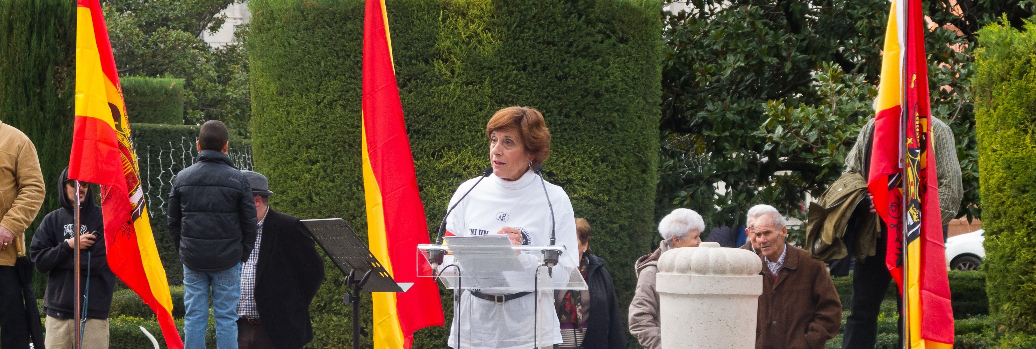 """Inician una campaña para que hagan santo a Franco, al que le atribuyen """"milagros"""""""