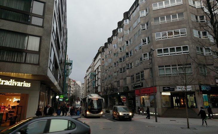 La calle Xeneral Pardiñas es una de las más concurridas de Santiago de Compostela