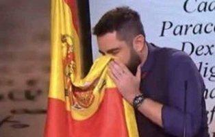 Dani Mateo se niega a declarar ante el juez por sonarse la nariz con la bandera de España