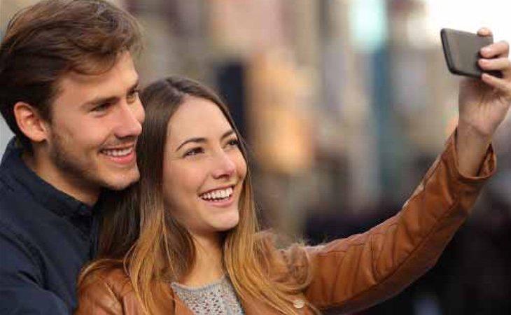 Las redes sociales pueden ser un escaparate en el que se muestra una falsa felicidad