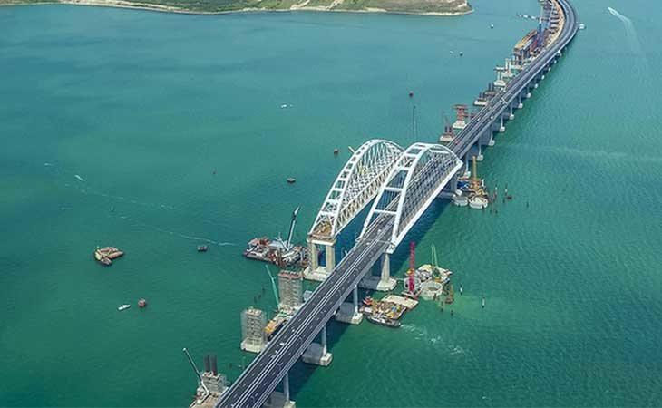 Puente que une Rusia y Crimea