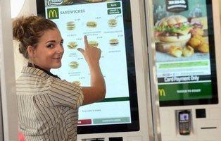 Hallan restos de heces en todas las pantallas táctiles de McDonald's en Londres