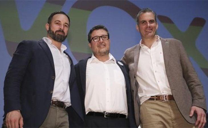 Abascal, Serrano y Ortega tras conocer los resultados andaluces
