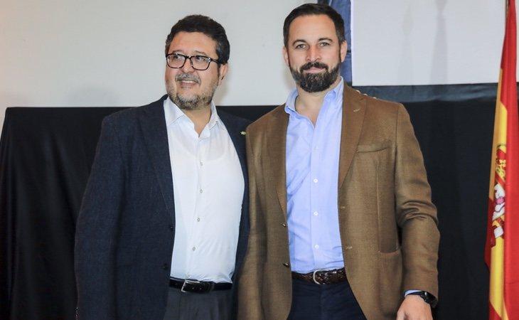 Francisco Serrano, candidato de VOX a la Junta de Andalucía, y el líder del partido, Santiago Abascal