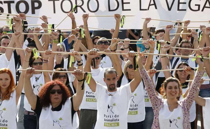 Manifestación del Pacma contra el Toro de la Vega