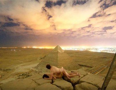 Enfado en Egipto por dos jóvenes que escalaron la Pirámide de Giza para tener sexo